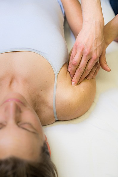 Rolfing decreases pain and tension